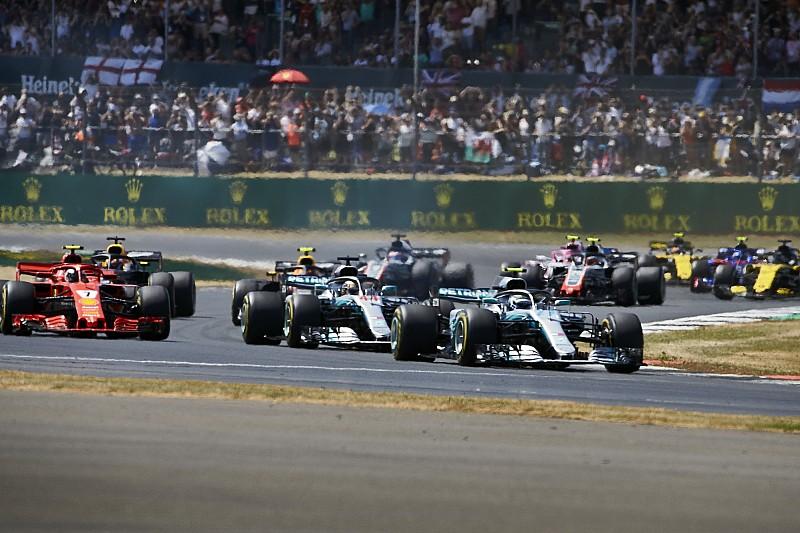 Villeneuve: Raikkonen, Hamilton'ın ev yarışı olduğu için 10 saniye cezası aldı