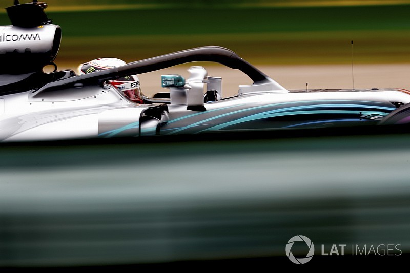 Hamilton diz que não entende ritmo da Mercedes na China