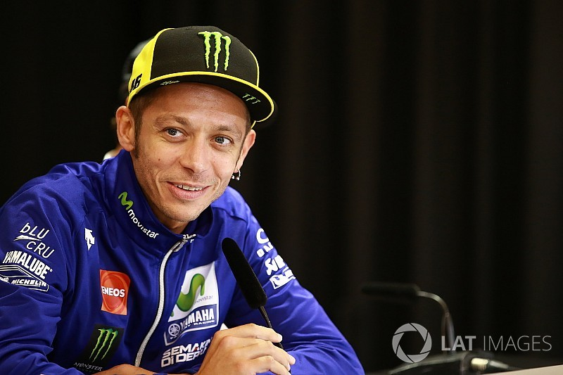 "MotoGP doctor ""perplexed"" by Rossi's swift recovery"