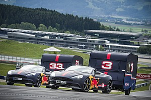 VIDEO: Verstappen y Ricciardo destruyen casas rodantes