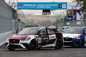 Evans wins inaugural Jaguar eTrophy race