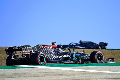 "Hamilton explains ""counter-intuitive"" medium tyre choice"
