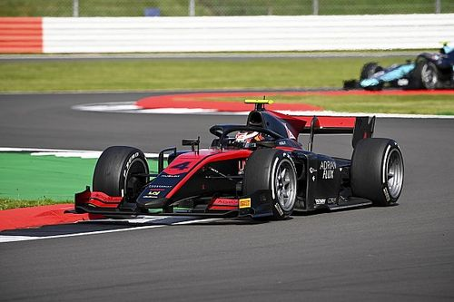 F2 Silverstone: Ilott pakt de pole voor de hoofdrace