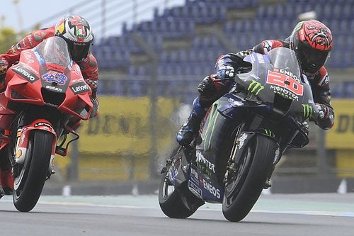 Cambio de líder por un punto: clasificaciones completas de MotoGP
