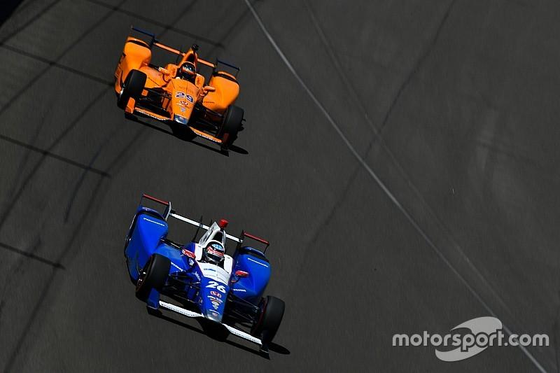 Sato sorprendido por el rápido avance de Fernando Alonso