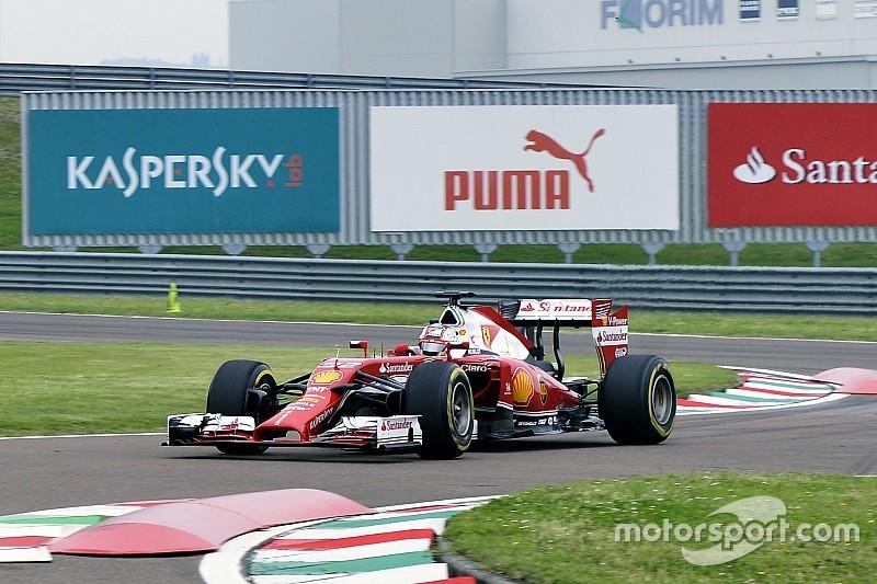 Леклер впервые сел за руль машины Формулы 1