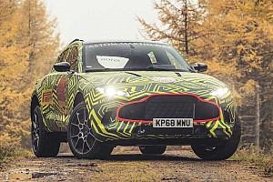 El Aston Martin DBX se deja ver... con la carrocería camuflada