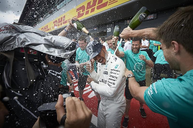 Hamilton világrekordot dönthet a Brit Nagydíjon: időrend Silverstone-ból