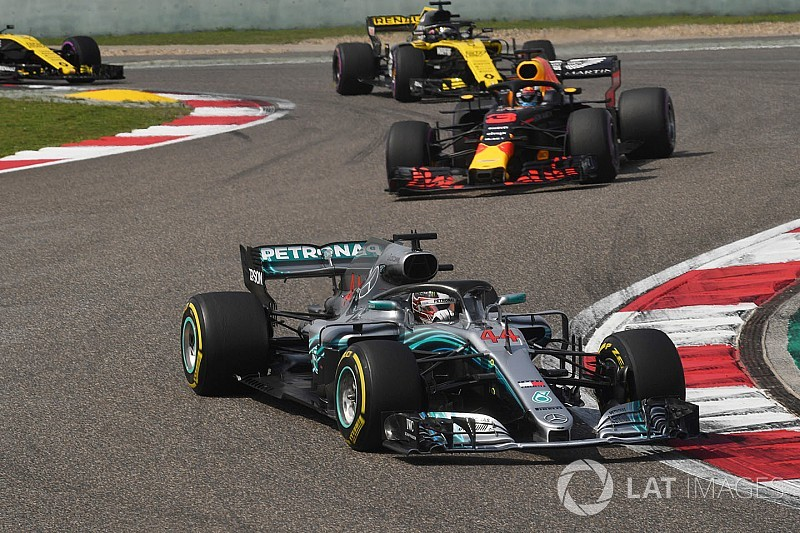 """Hamilton """"not in the best place"""" in China, says Mercedes"""