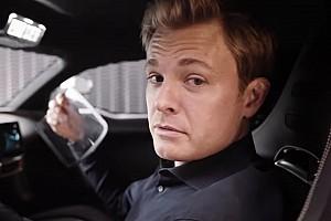 Rosberg nem felejtett el vezetni: rendesen meghajtotta a Porschét Silverstone-ban! (videó)