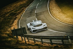 Mercedes-AMG Project One: test su pista per la F1 stradale