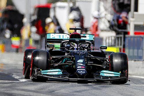 """Hamilton dankbaar na honderdste pole: """"Kan het niet geloven"""""""