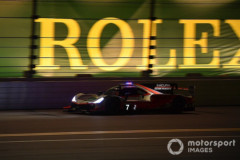 Rolex 24, Hour 10: One Acura leads as the other finds trouble