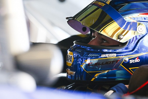 NASCAR Cup Chase Elliott wins Stage 2 as loose wheel puts Kyle Busch behind