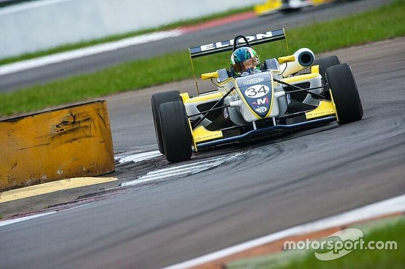 Matheus Iorio marca primeira pole do ano na F3