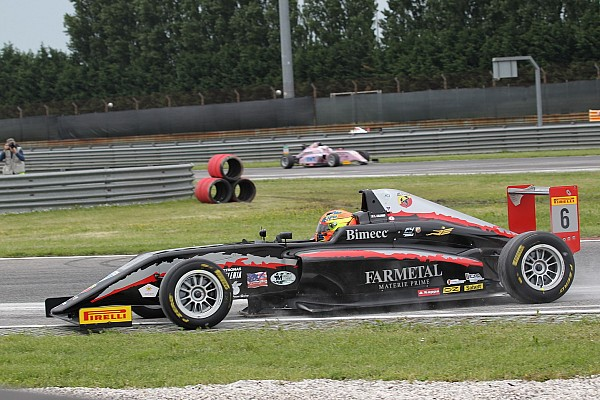 Formula 4 Gara Lorenzo Colombo vince Gara 3 ad Adria davanti a Van Uitert ed Armstrong