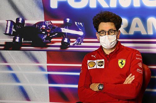 Ferrari feliz por el podio de Sainz, lamenta estrategia de Leclerc