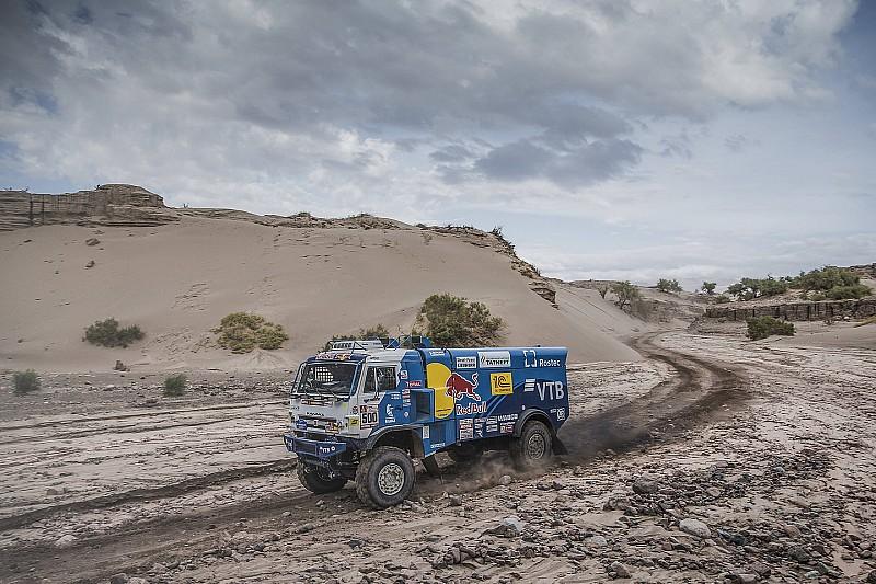 Дакар-2018: екіпаж Ніколаєва на КамАЗ врятував свій «донор»