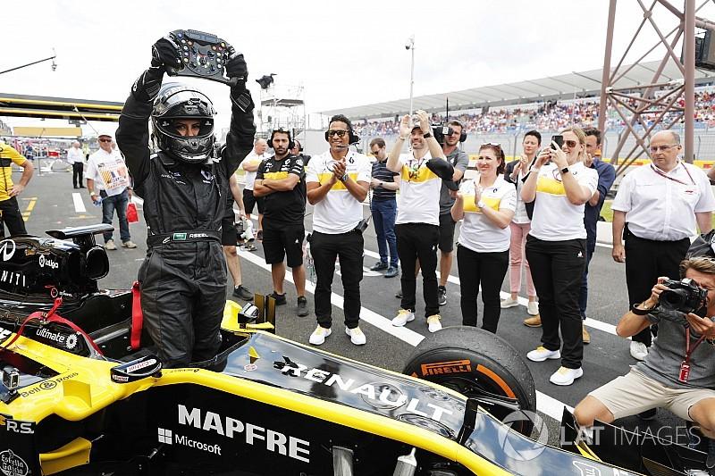 Renault marks Saudi female law change with F1 run