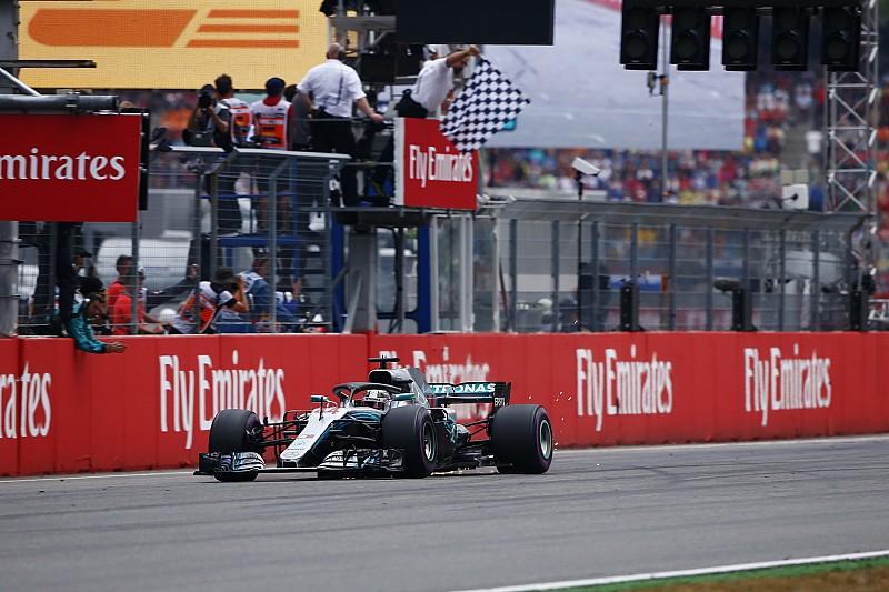 De 14º, Hamilton se aproveita de chuva e vence na Alemanha