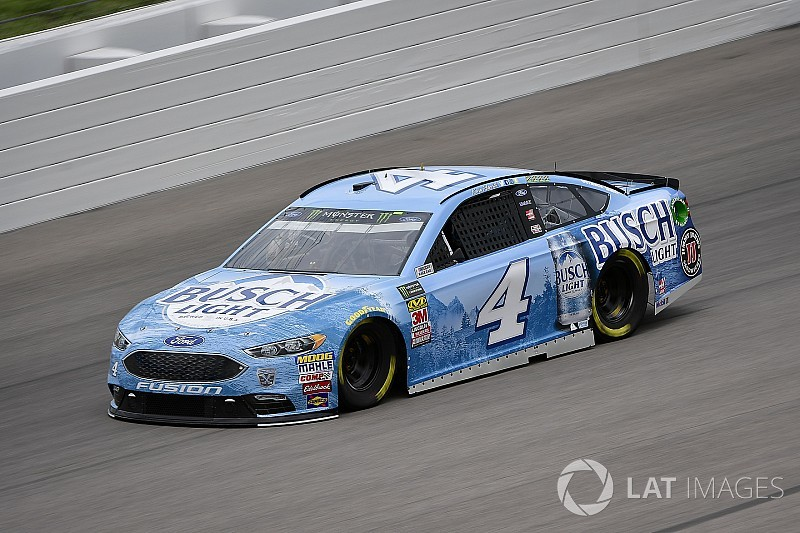 Kevin Harvick takes Kansas pole despite inspection issues