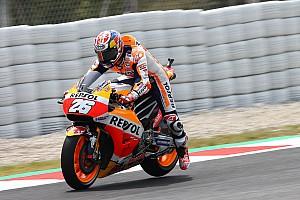 MotoGP Отчет о квалификации Педроса выиграл квалификацию в Барселоне, Росси 13-й