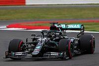 Hamiltoné a második tréning, Vettel motorja elszállt