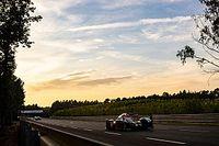Le Mans: Toyota cruza los dedos durante el amanecer