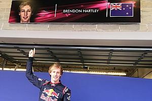 Формула 1 Новость Хартли в комбинезоне Toro Rosso: первое фото