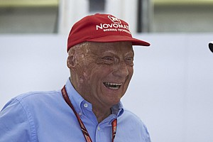 Sospiro di sollievo per Niki Lauda: sta meglio ed è stato dimesso dall'ospedale