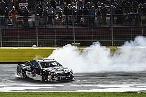 NASCAR Cup Отчет о гонке Харвик выиграл гонку всех звезд NASCAR