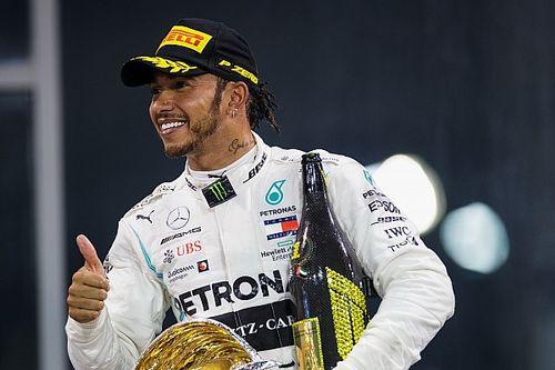 Hamilton poczeka na tytuł szlachecki