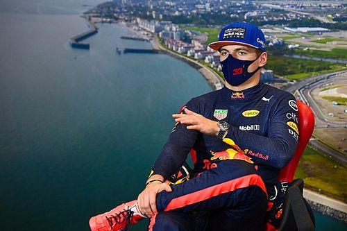"""Doornbos lovend: """"Verstappen boven Red Bull-materiaal uitgestegen"""""""