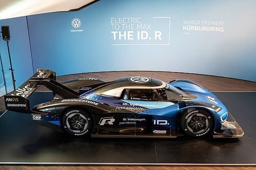 Volkswagen обновила электрокар для покорения «Нюрбургринга»