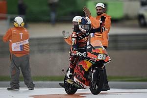 MotoGP sürücüleri, Moto3'teki ilk yarışını kazanan Can Öncü'yü övdü!