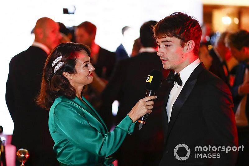 Leclerc sul palco degli Autosport Awards:
