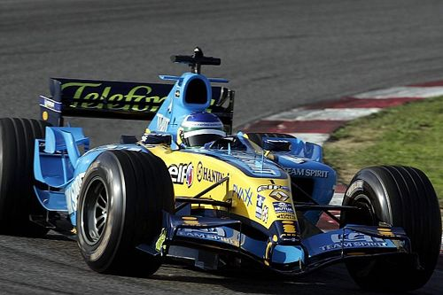 Gallery: When Carlos Sainz Sr tested a Renault F1 car