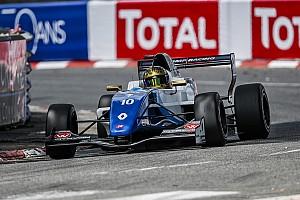 Formula Renault Gara Shwartzman e Peroni si spartiscono le vittorie a Pau