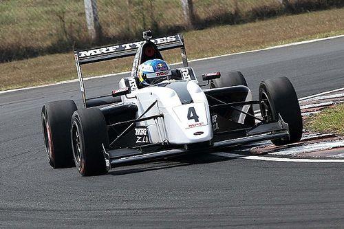 Ньюи выиграл в Индии, Шумахер осложнил себе борьбу за титул