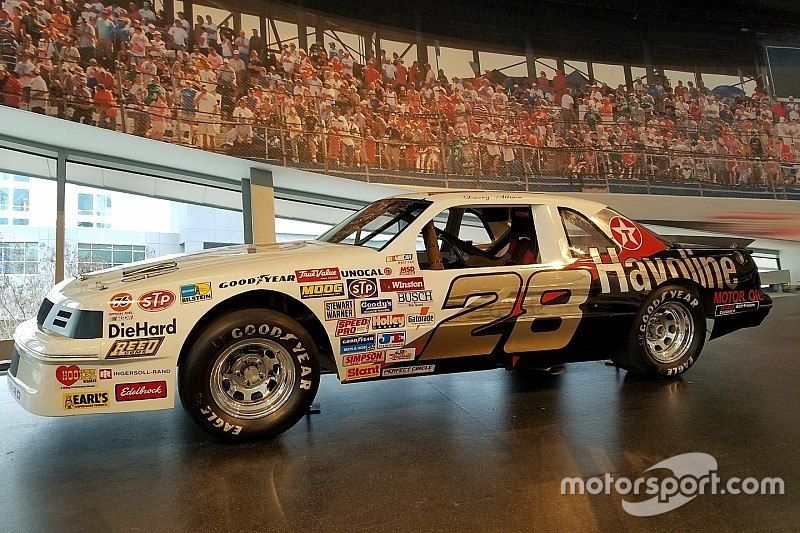 Davey Allison S Rookie Car Put On Display At The Nascar Hall Of Fame