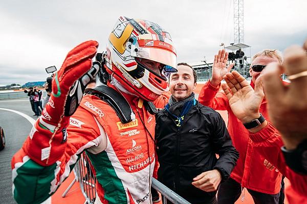 FIA F2 Motorsport.com hírek Leclerc elhunyt apjának ajánlotta az F2-es címet