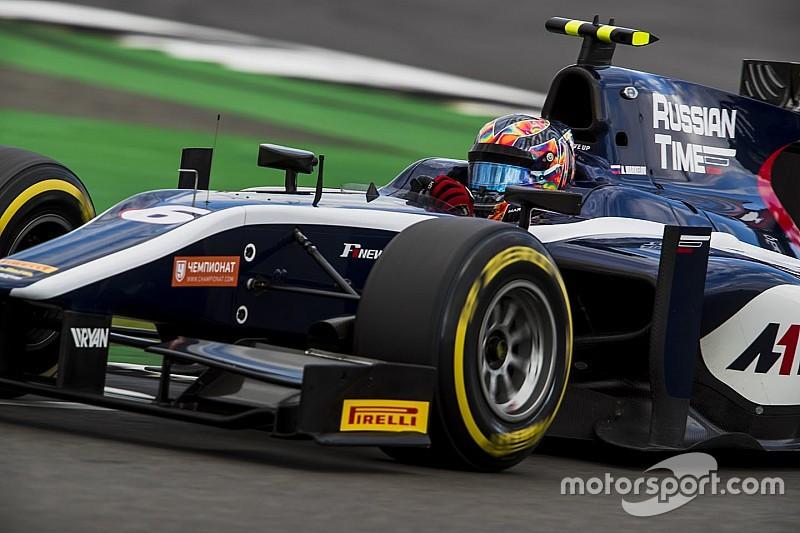 Маркелов вырвал третье место на последнем круге гонки Ф2