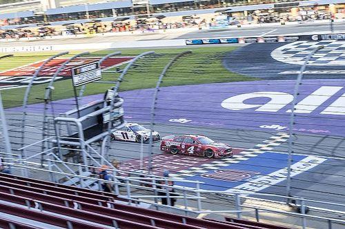 NASCAR: Harvick segura Hamlin no final e 'varre' fim de semana em Michigan