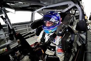 Зак Браун попробует уговорить Алонсо выступить в дорожной гонке NASCAR