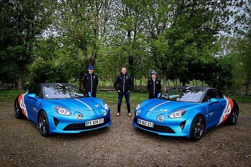 """Alpine présente les A110 """"Trackside"""" pour ses pilotes de F1"""