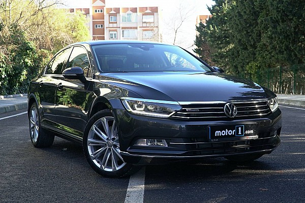 OTOMOBİL Son dakika 2017 VW Passat 2.0 BiTDI DSG Highline İncelemesi - Neden Almalı?