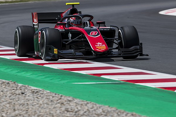 FIA F2 Race report Barcelona F2: Russell holds off de Vries in damp race