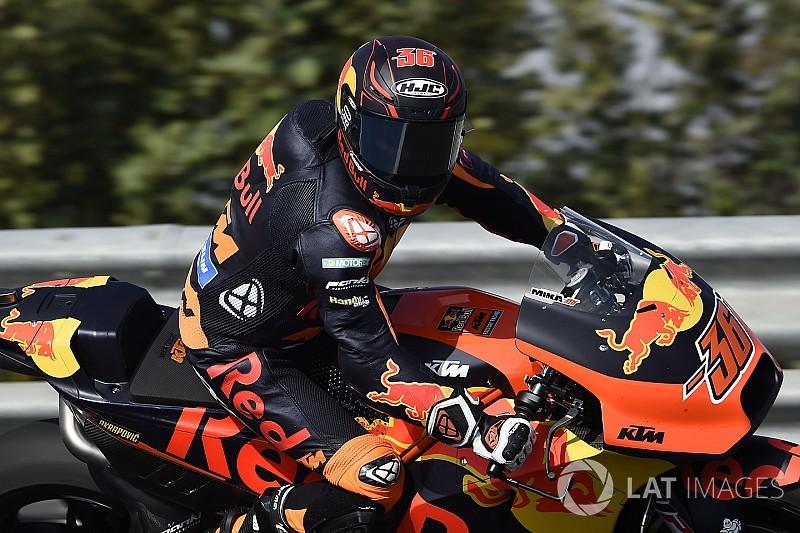 "Espargaro ""almost couldn't follow"" Kallio on '19 prototype KTM"