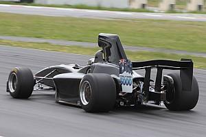 Other open wheel Preview La nouvelle monoplace de Formula 5000 a pris la piste