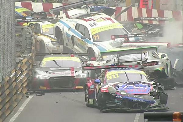 GT News Video: Der Massencrash beim GT-Weltcup in Macao
